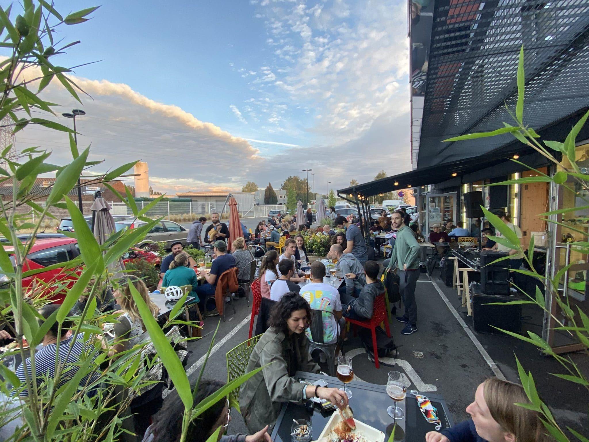 Terrasse restaurant salle d'escalade Vertical'Art Lille